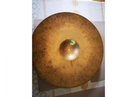 """Cymbal zildjian avedis 18"""""""