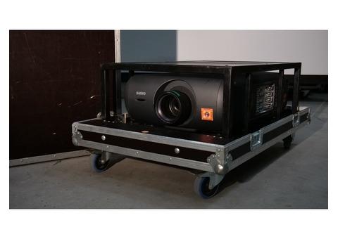 Vidéo projecteur Sanyo PLC-XF47