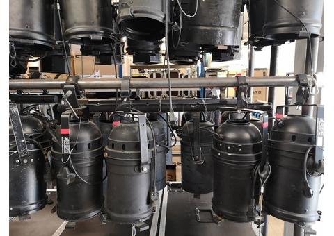 Projecteurs théâtre - spectacle - concert à lampe NEUF ET OCCASION