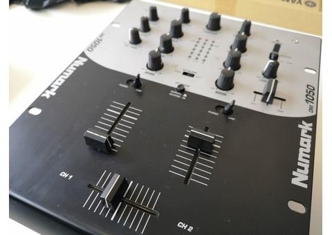 Table mixage dj - NUMARK DM 1050