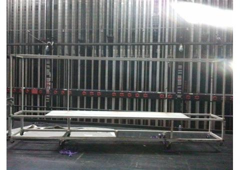 scène, plateau, plateforme suspendue agrès de cirque