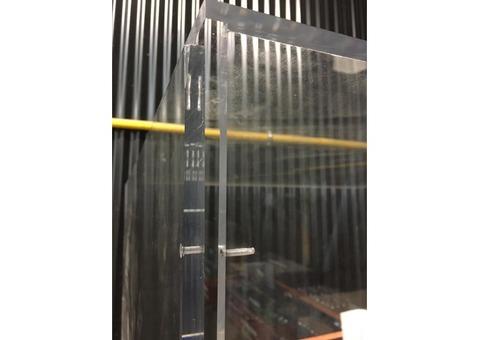 vitrine plexiglass