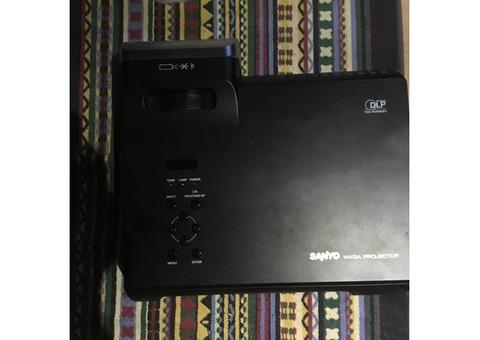 Vend vidéo projecteur PDG DWL 100 Sanyo