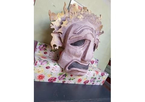 Décors : Deux grandes têtes antiques en plastazote