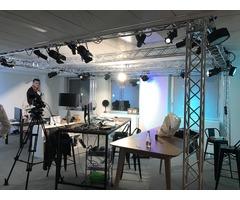 Pont équipé avec lumière : studio TV