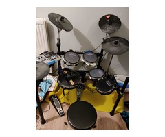 Batterie élèctronique Alesis DM10 studio kit