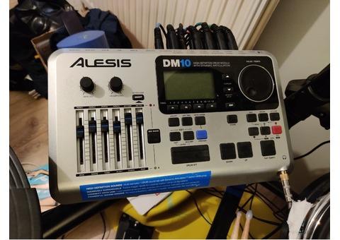Batterie élèctronique Alesis DM10 studio kit