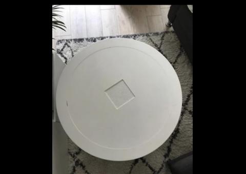 Table ronde blanche en merisier